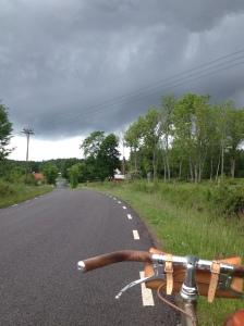 Cykelutflykt under egntunga moln